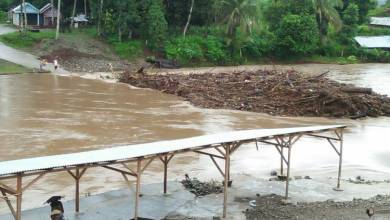 Photo of Banjir Hantam Jembatan Batang Asam Jujuhan Bungo