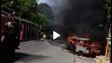 Photo of Mini Bus Terbakar di Taman Vertikal Sungai Penuh