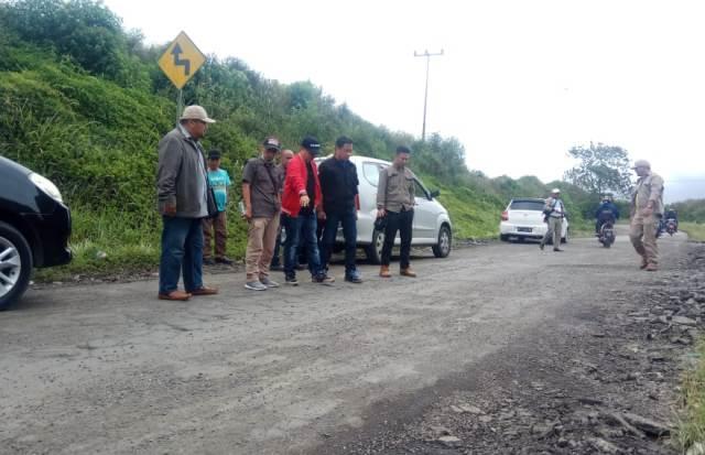 Photo of Boyong LSM Perisai Kobra, BPJN Jambi Cek Pekerjaan Fisik Jalan Nasional di Kerinci