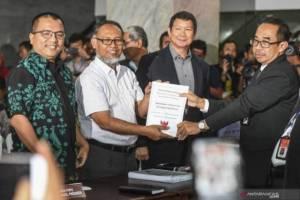 Tim Kuasa Hukum Prabowo-sandi saat daftarkan gugatan. (ist)