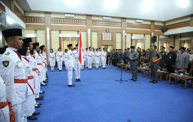 Wakil Walikota, H. Zulhelmi Kukuhkan 60 Calon Paskibraka Kota Sungai Penuh Kamis (15/8)