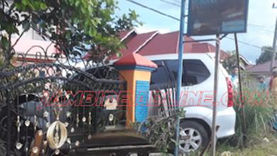 Photo of Duar! Mobil Dinas Camat Tabrak Pagar Rumah Warga di Rawang