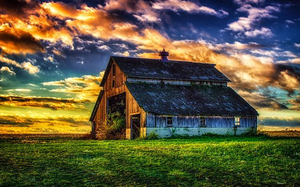 The_Abandoned_Barn_at_Sunset