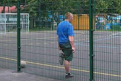 sportpálya kerítés