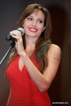 angelina-jolie-photos-in-red-dress-13