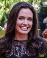 angelina-jolie-premieres-her-new-movie-in-cambodia-with-all-six-kids-07