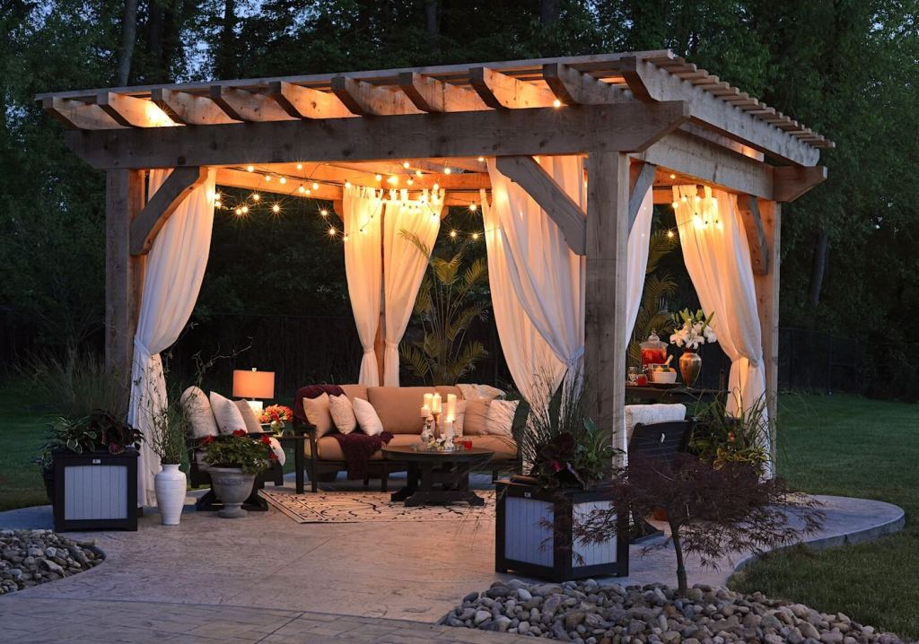 planters decoration patio wooden structure