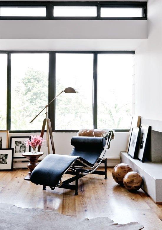 architect recliner metal chair  Le Corbusier