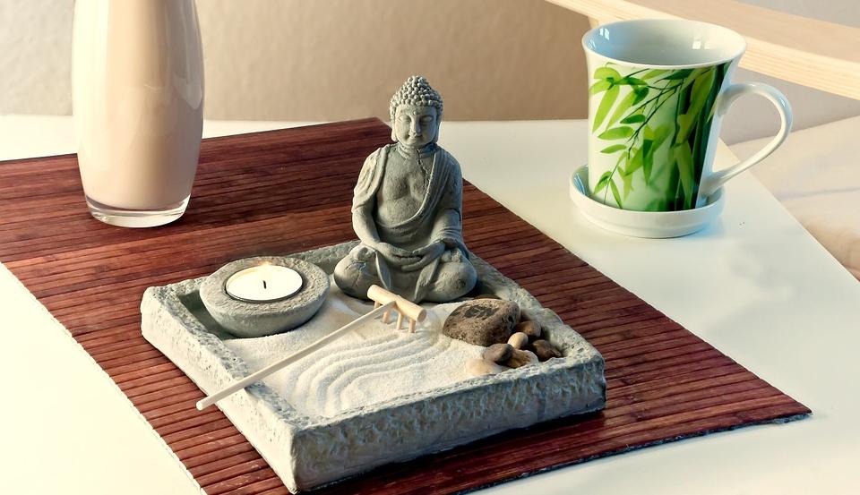 Buddha statue - Home - Furniture - Kernig Krafts