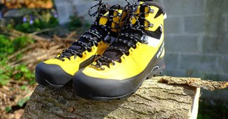 salomon walking boots