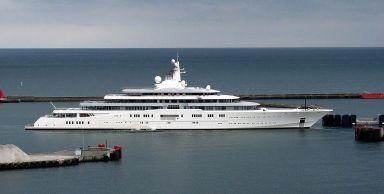 Mega Yacht Eclipse