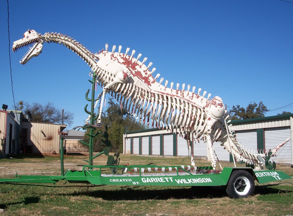 Scrap metal dinosaur in Bertram, Texas.
