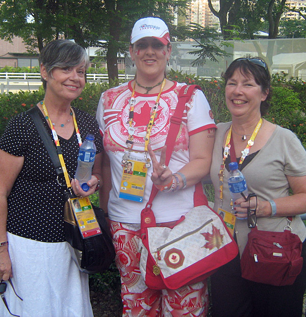 Yes...I wore the pyjama pants! (l-r) Mary Brooks (Jacquie's mom), me and Anne Welch (co-owner of Gran Gesto