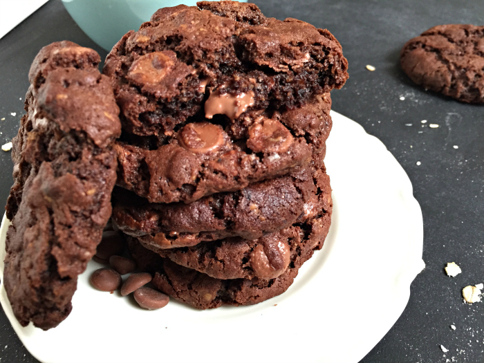 The BEST Oat Chocolate Chip Crinkle Cookies - YES PLEASE!
