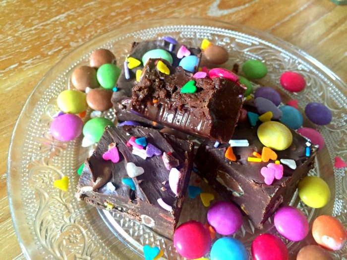 Easy Rainbow Chocolate Fudge recipe with only three ingredients that's ready in just 10 minutes! So easy, anyone can make it!