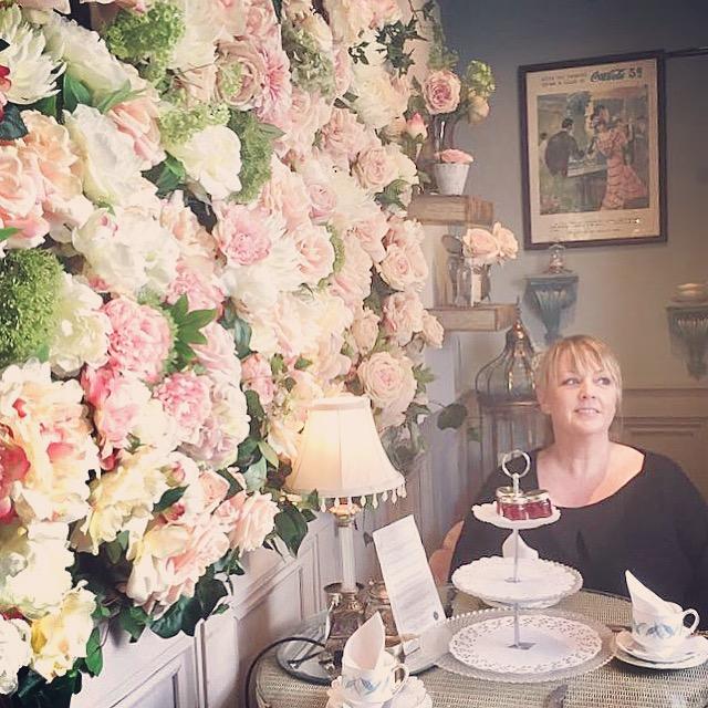 flower wall, tea rooms