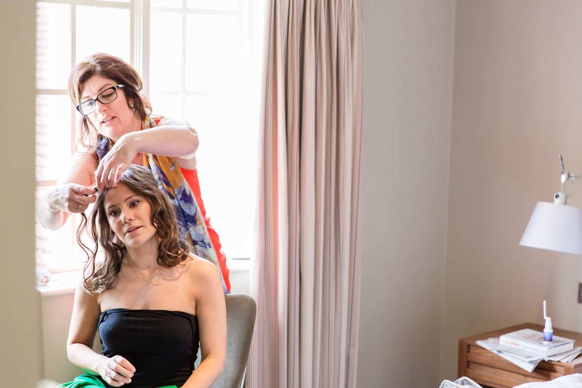 The bridesmaid get ready at the Goodwood House Hotel