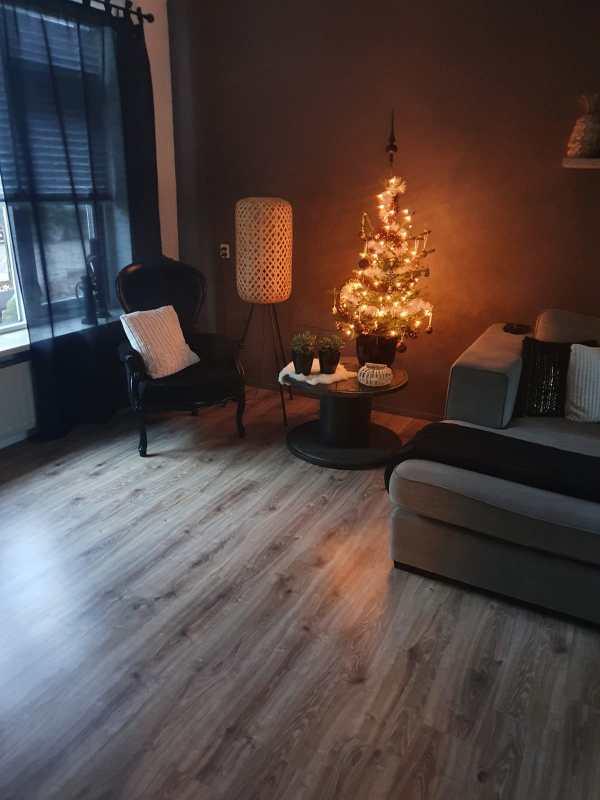 Kerstboombezorging.nl versierde kerstboom bezorgd kerstbomen kopen bestellem Nijmegen Nordmann kluit