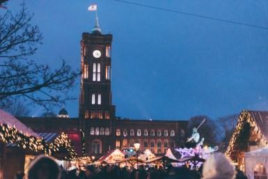 Christmas_Weihnachtsmarkt_Alexanderplatz_Rotes Rathaus_Kerstin Musl_042
