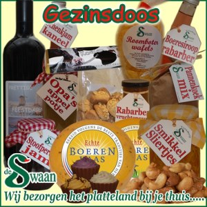Gezinsdoos Kerstpakket - streek kerstpakket gevuld met huisgemaakte streekproducten - www.kerstpakkettencadeaubon.nl