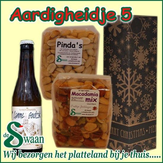 Kerstpakket Aardigheidje 5 - streek kerstpakket gevuld met huisgemaakte streekproducten - www.kerstpakkettencadeaubon.nl