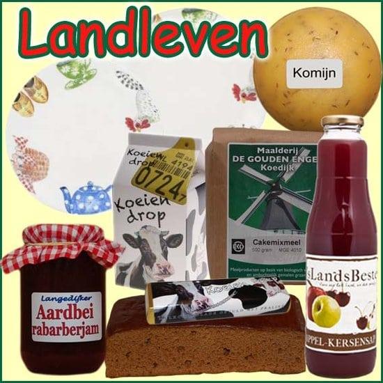 Kerstpakket Landleven - Streekpakket gevuld met lokaal hartige en zoete streekproducten - Streekcadeau Specialist - www.kerstpakkettencadeaubon.nl