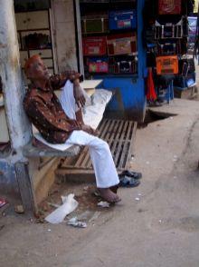 varanasi-india-asia-varanes-street-photography-kersz-101
