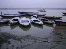 varanasi-india-asia-varanes-street-photography-kersz-24