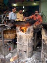 varanasi-india-asia-varanes-street-photography-kersz-58