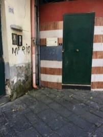 Plazas, calles y lugares típicos de Nápoles en Italia