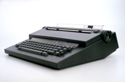 Olivetti Electronic Calculators and the Designs of Mario Bellini