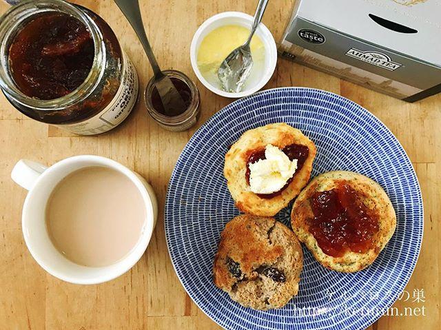 紅茶とスコーンで朝ごはん