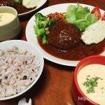 ヤオコーのレトルトハンバーグとベル食品のコーンスープ