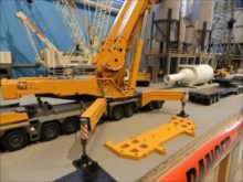 Liebherr LTM 11200 with full luffing jib assembly