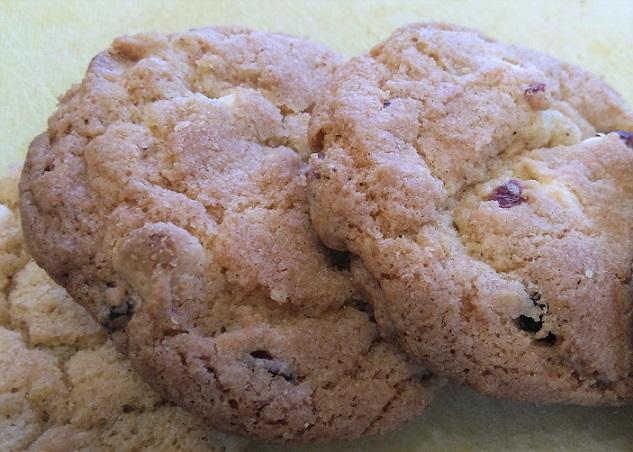 Cranberry White Chocolate Chip Cookiesq