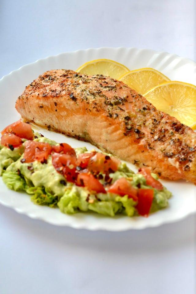 Keto Airfryer Garlic Butter Salmon