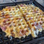 Keto Bacon-Käse Waffeln