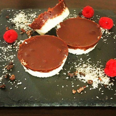 Vegane Keto-Kokos-Cupcakes