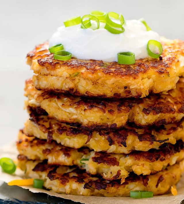 Cheesy Cauliflower Fritters