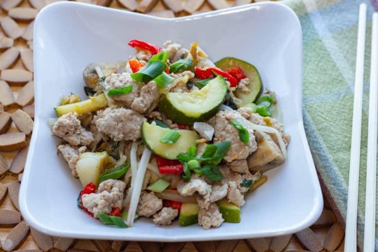 keto-friendly spicy pork stir-fry