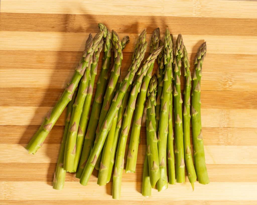 trimmed and cleaned asparagus for keto pan-roasted asparagus recipe