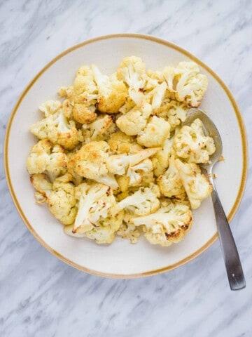 keto crack cauliflower on a serving dish