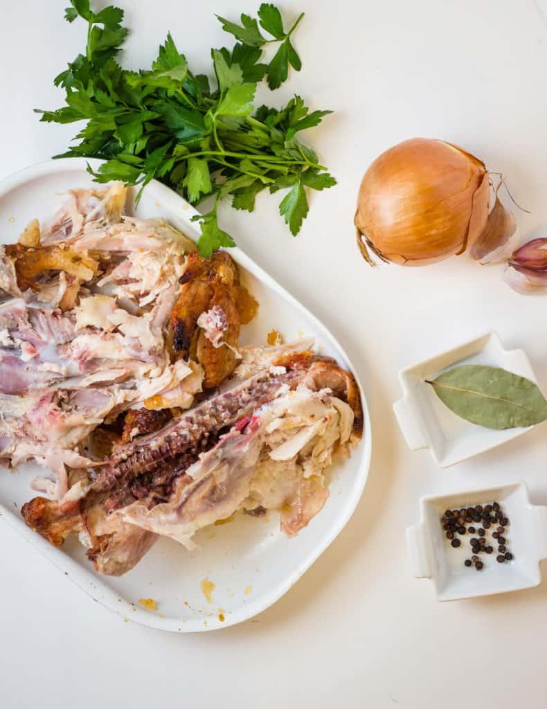 Ingredients used in making keto bone broth.