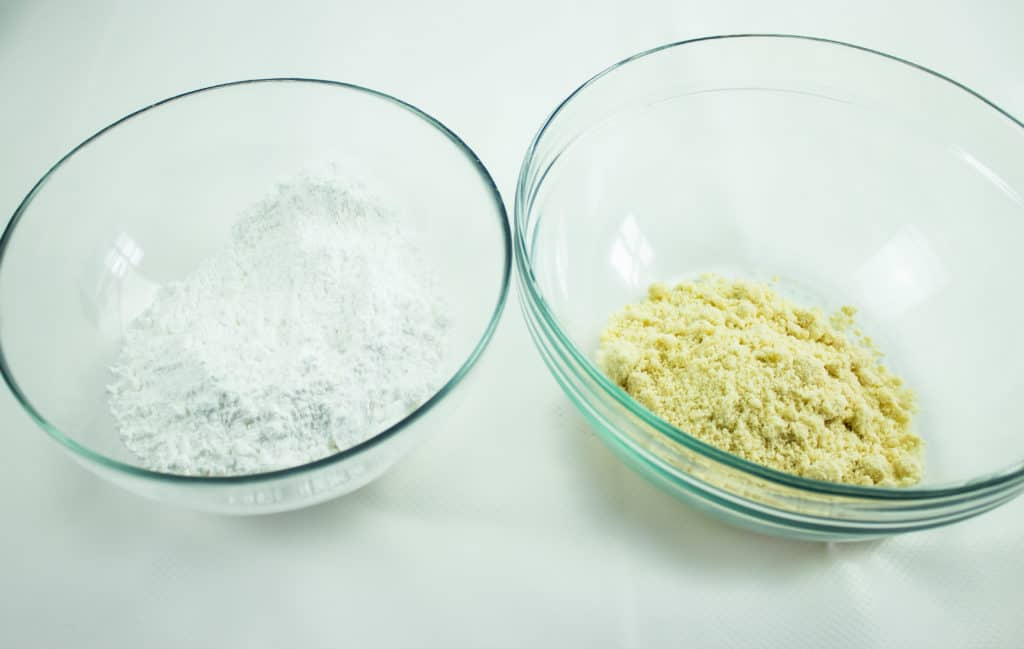 blend the almond flour and sugar substitute