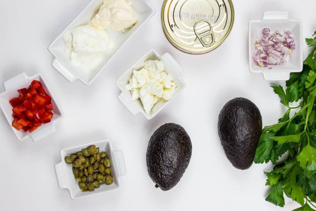 ingredients to make mediterranean tuna salad