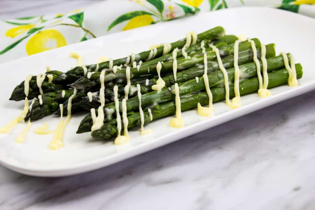 easy keto asparagus with lemon sauce
