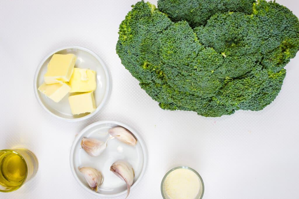 keto broccoli with garlic and parmesan