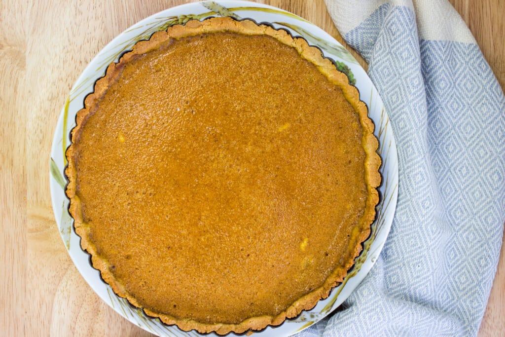 pumpkin pie with keto pie crust