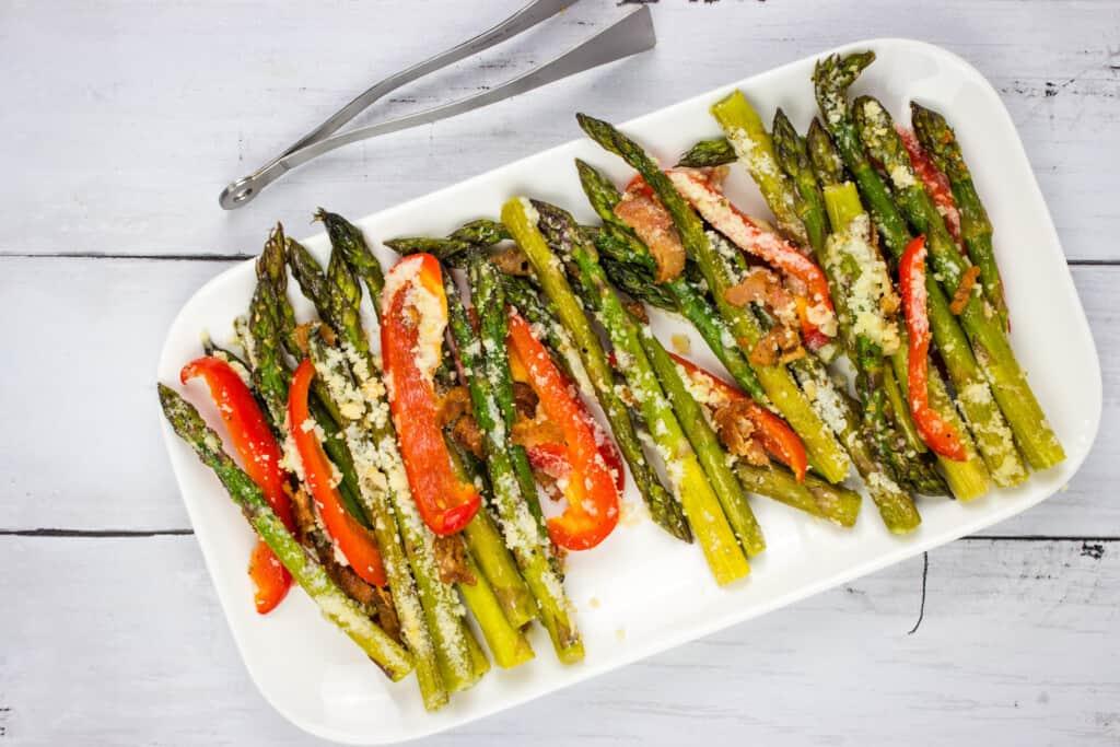 keto cheesy baked asparagus