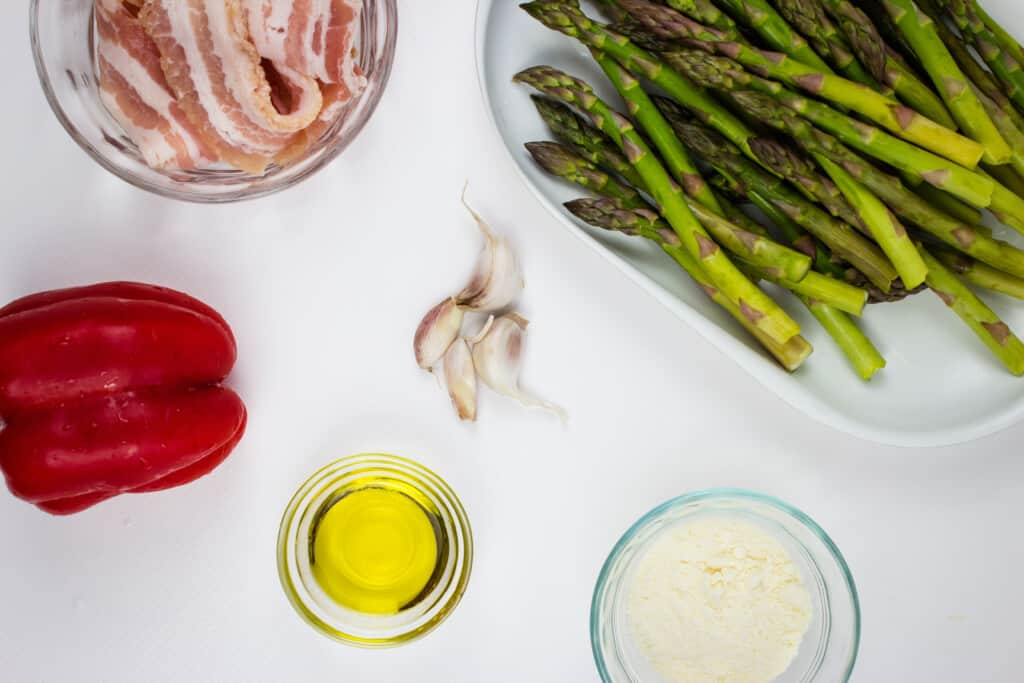 ingredients to make keto cheesy baked asparagus